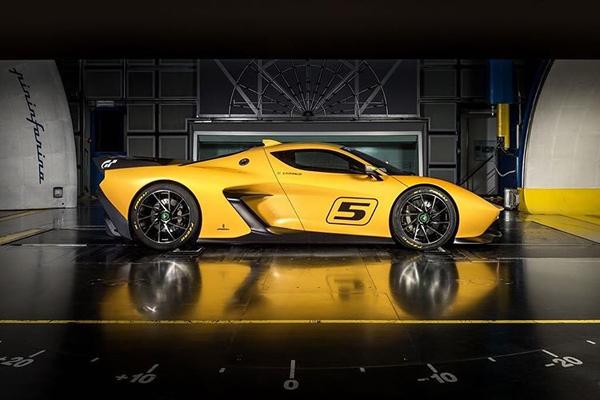 Fittipaldi EF7 GTR : pour la route