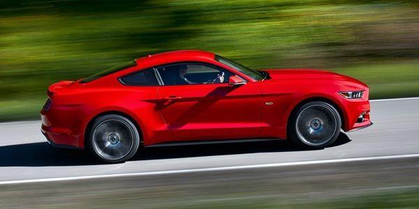 Mustang vs Camaro : Ford reprend du terrain