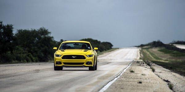 La Hennessey Mustang HPE750 lancée à plus de 330 km/h