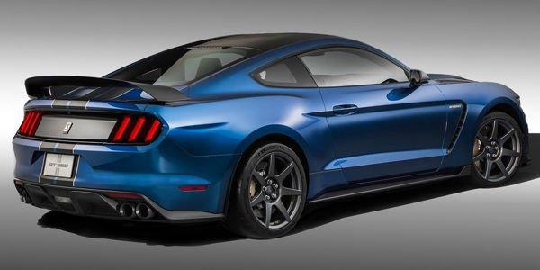 La Mustang Shelby GT350R élue voiture de l'année par Road & Track