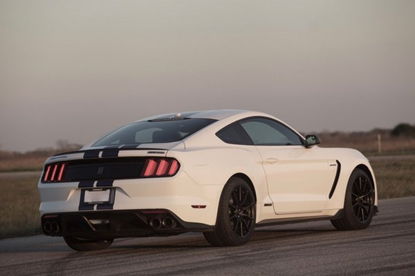 Hennessey : 808 ch pour la Ford Mustang HPE800