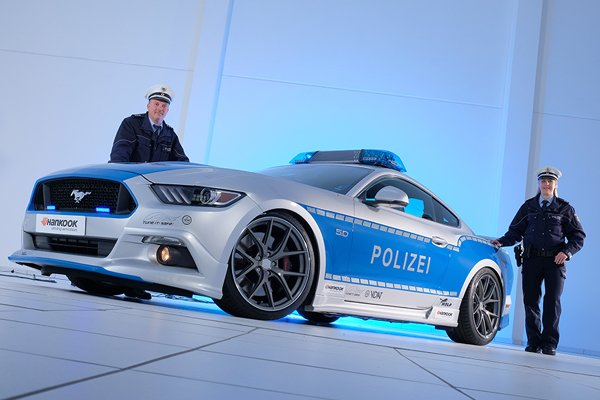 Essen : Ford Mustang GT Tune It ! Safe !