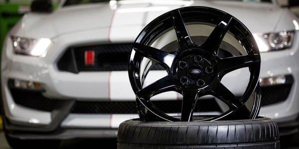 Des roues en carbone pour la nouvelle Ford GT ?