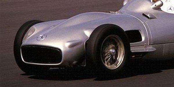 Rétromobile 2011, hommage à Fangio