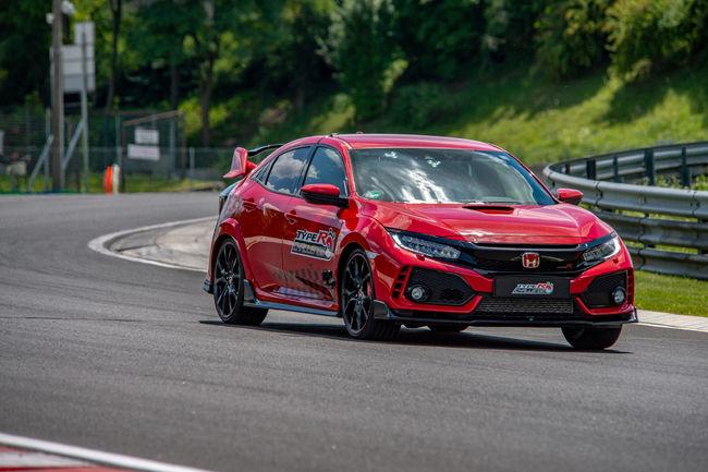 La Honda Civic Type R reçue 5 sur 5 grâce à Jenson Button