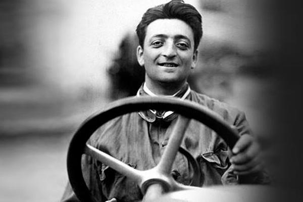 Hugh Jackman bientôt dans la peau d'Enzo Ferrari ?