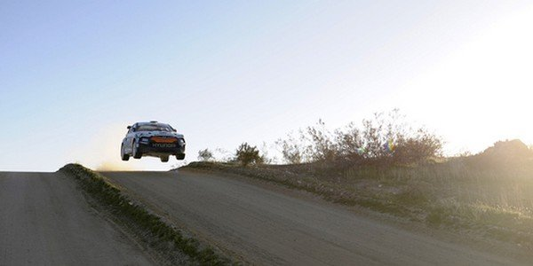 Hyundai Veloster en rallye
