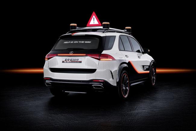 Mercedes ESF 2019 : véhicule de sécurité expérimental