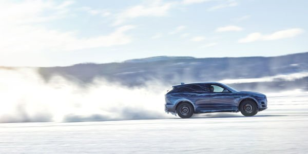 Tests intensifs pour le Jaguar F-Pace