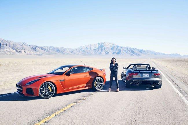 Michelle Rodriguez teste la Jaguar F-Type SVR