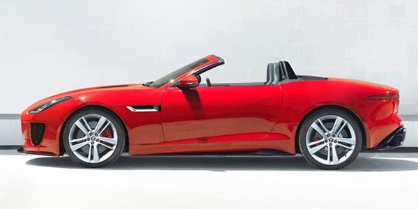 Fantasme : une Jaguar F-Type RS