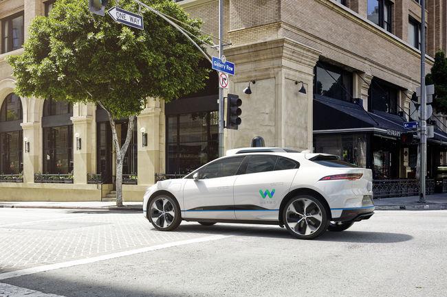 Voitures autonomes : Jaguar fournira des modèles I-Pace à Waymo