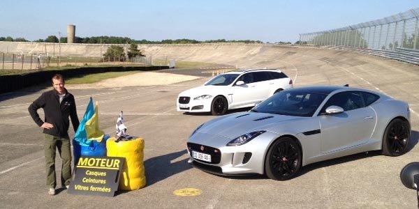 Jaguar fête sa Type D et lutte contre le cancer