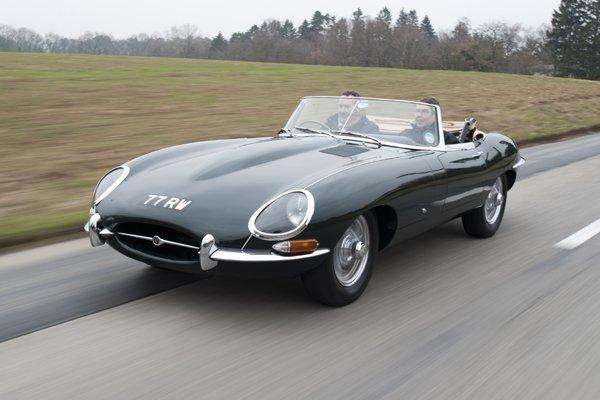 la jaguar type e lue meilleure voiture anglaise de tous les temps actualit automobile. Black Bedroom Furniture Sets. Home Design Ideas
