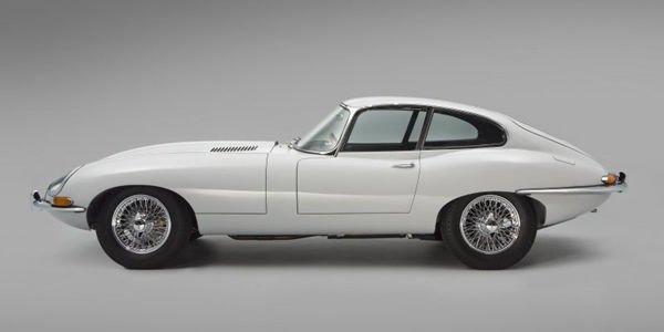 Une des premières Jaguar Type E restaurée par CMC