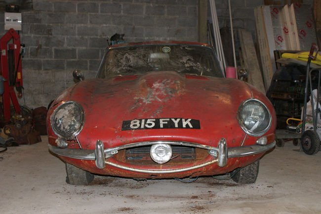 Une Jaguar Type E originale aux enchères