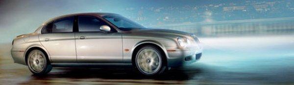 La Jaguar S-Type se repoudre le nez