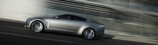 La Jaguar XF montera en puissance