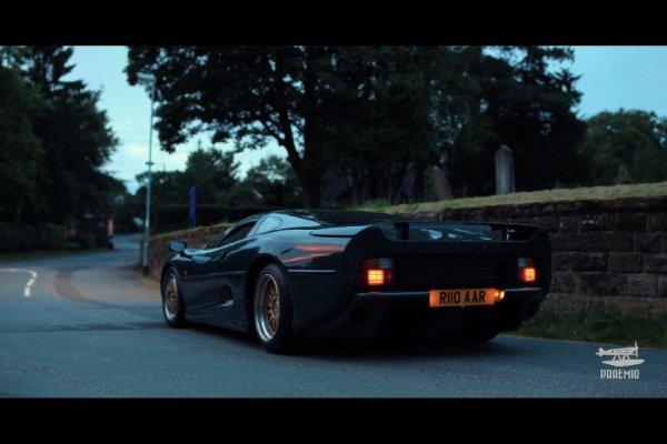 Praemio rend hommage à la Jaguar XJ220