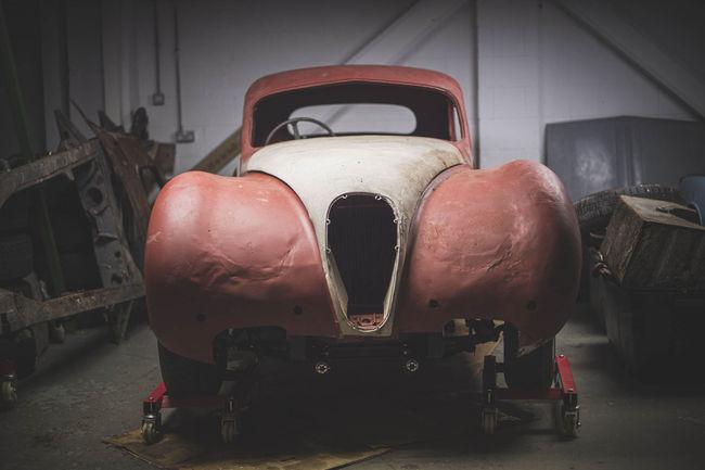 Une rare Jaguar XK120 barn-find aux enchères