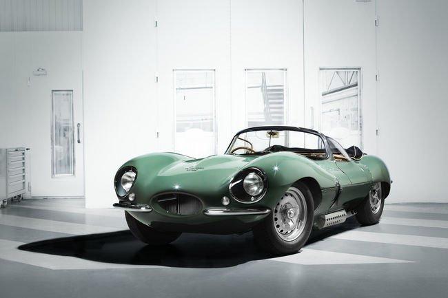 La réédition de la Jaguar XKSS présentée à Los Angeles