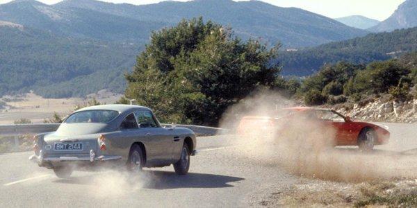 Les James Bond Cars rassemblées