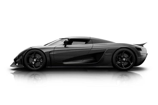 La Koenigsegg Regera en finition carbone brut