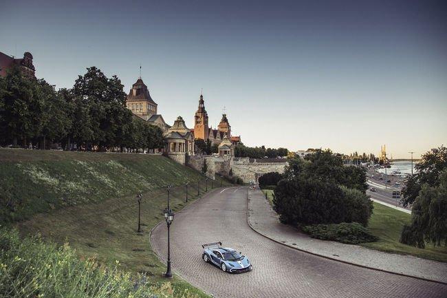L'Arrinera Hussarya GT en virée à Varsovie