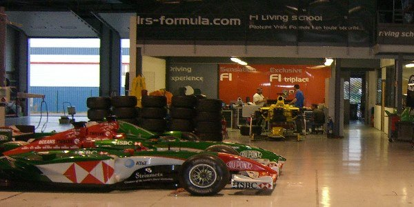 L'Eau Rouge Club restaure des Formule 1