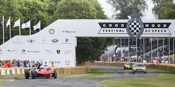 Record officieux pour la BAC Mono à Goodwood