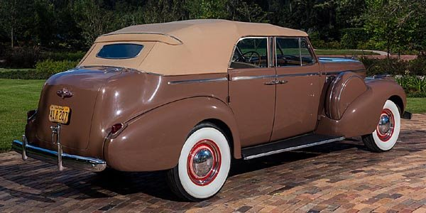 La Buick de « Casablanca » aux enchères