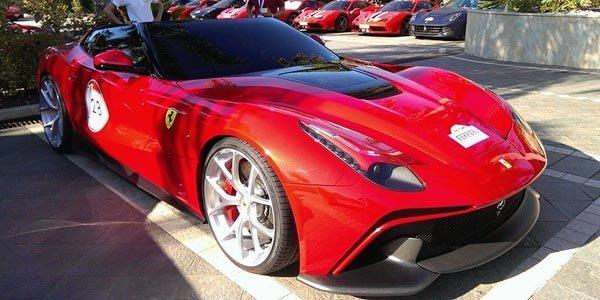 La Ferrari F12 TRS se dévoile en Sicile