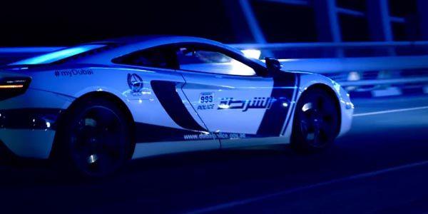 Supercars : la Police de Dubaï fait son show