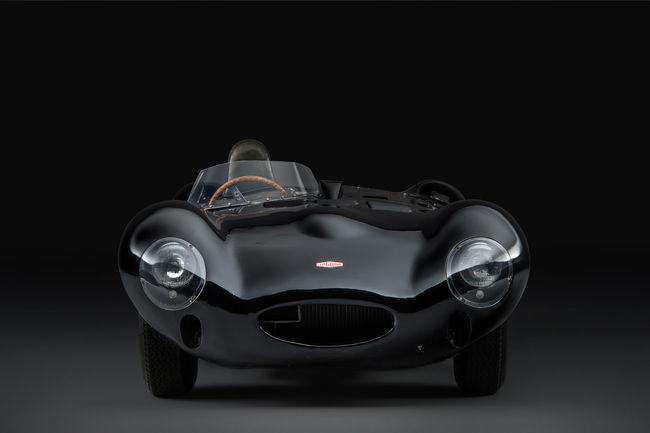 La première Jaguar Type D de l'histoire à Hampton Court