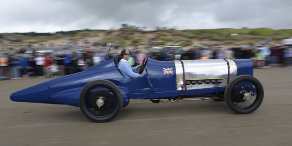 Record de vitesse : la Sunbeam Blue Bird revient à Pendine Sands
