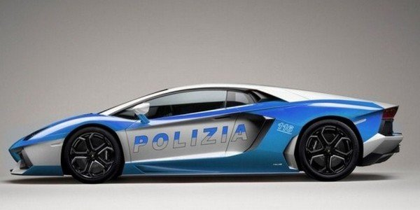Lamborghini Aventador Polizia