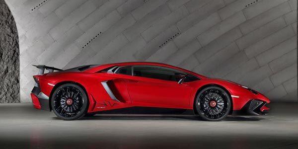 Départ arrêté avec la Lamborghini Aventador SV
