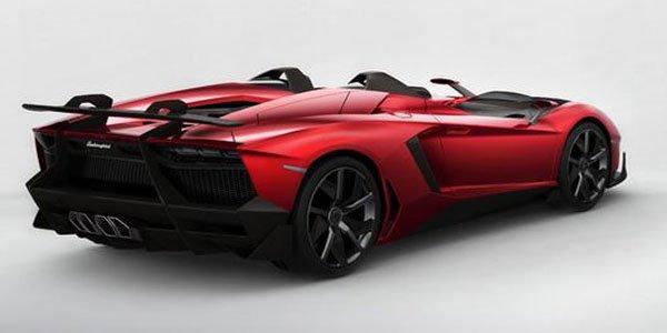 L'Aventador J créée en 6 semaines
