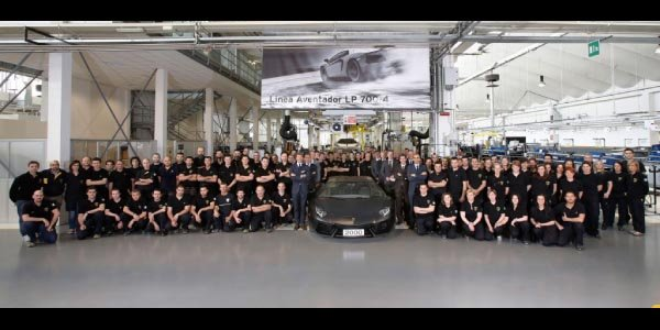 2000 Aventador vendues en seulement 2 ans