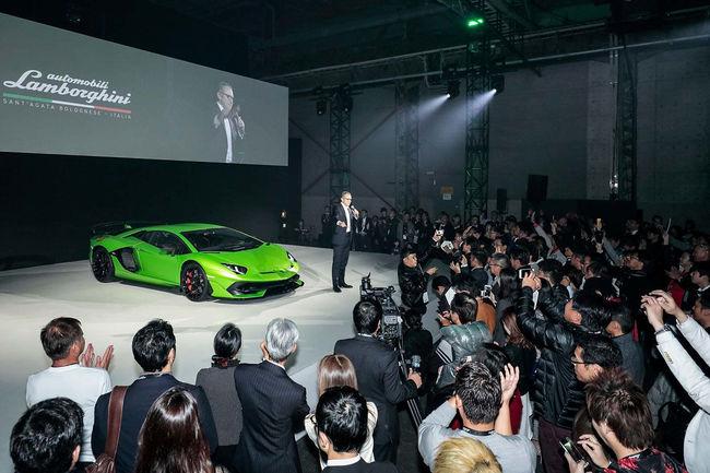 Les fans de Lamborghini envahissent Yokohama