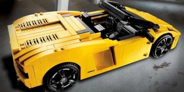 Lamborghini passe au plastique