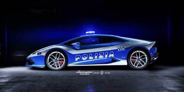 La Police fait son cinéma en Lamborghini Huracan