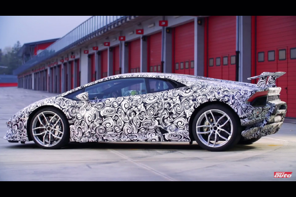 La Lamborghini Huracan Performante en action à Imola