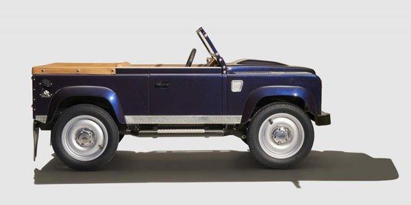 Land Rover va produire un Defender... à pédales