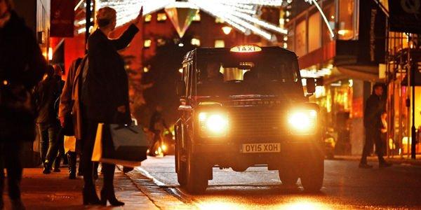 Les Land Rover Defender investissent Londres