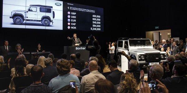 Le 2 000 000ème Land Rover Defender vendu 400 000 Livres