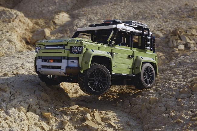 Le Land Rover Defender 90 arrive chez LEGO