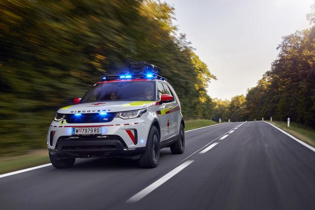 Un Land Rover Discovery unique pour la Croix Rouge