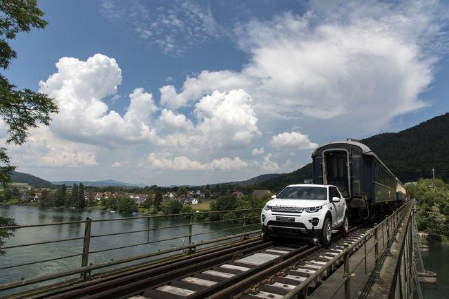 Étonnante démonstration pour le Land Rover Discovery Sport