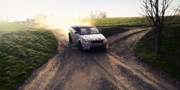 Le Range Rover Evoque Cabriolet en mode tout terrain